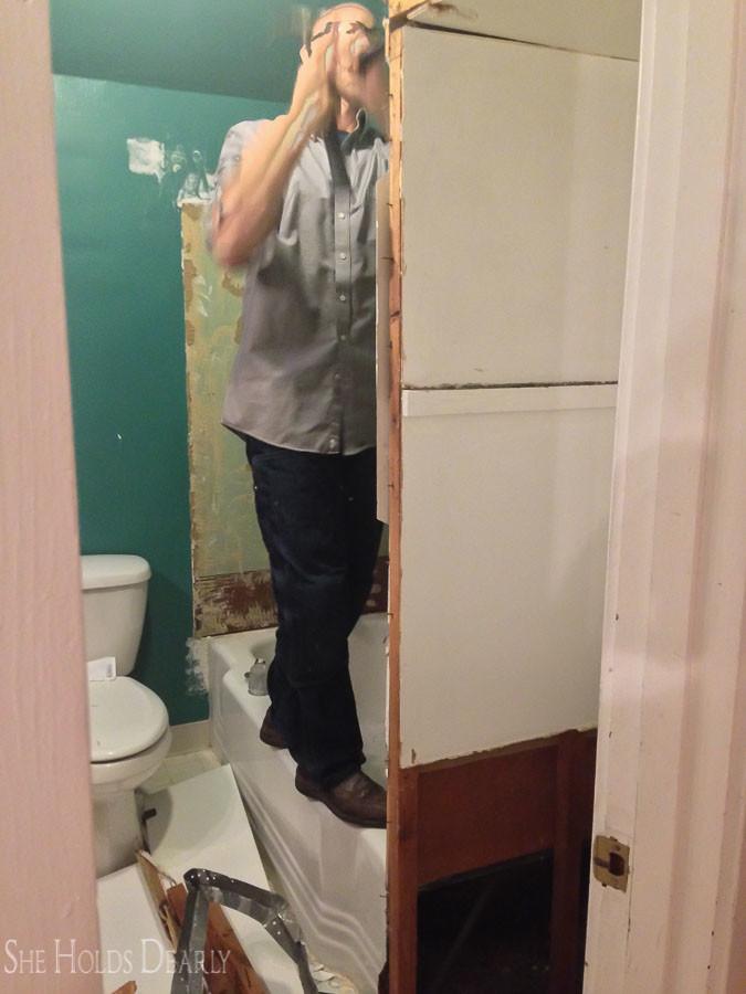Farmhouse Bathroom Remodel Befores