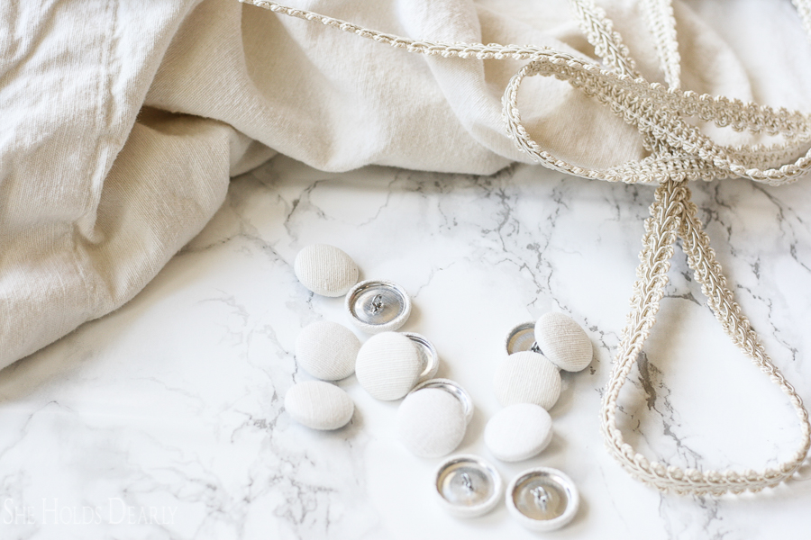 Customizable, fabric button tutorial