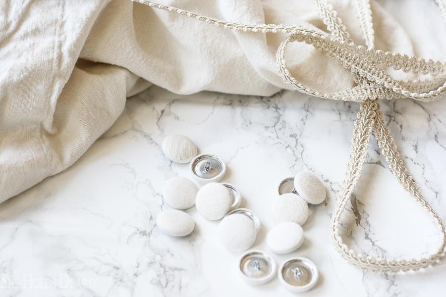 Customizable, fabric button tutorial