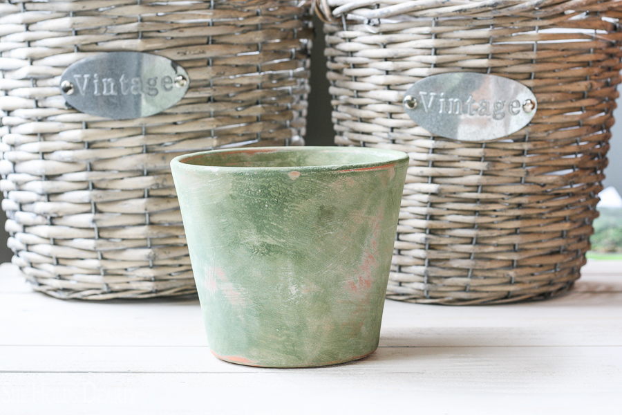 With a quick 5 step process you can give terra cotta pots that vintage, time worn patina!
