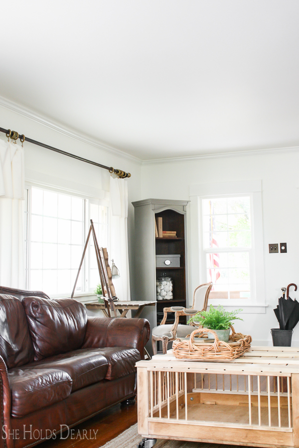 Farmhouse Style Living Room by sheholdsdearly.com