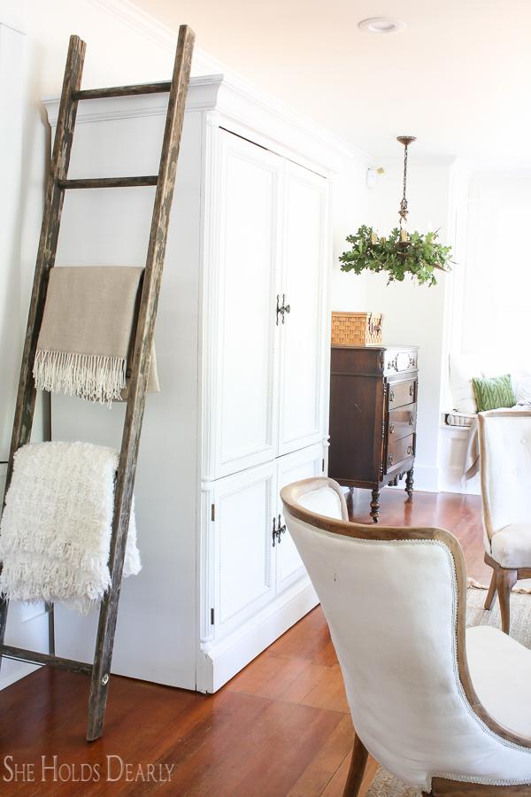 Fall Home Decor Ideas by sheholdsdearly.com