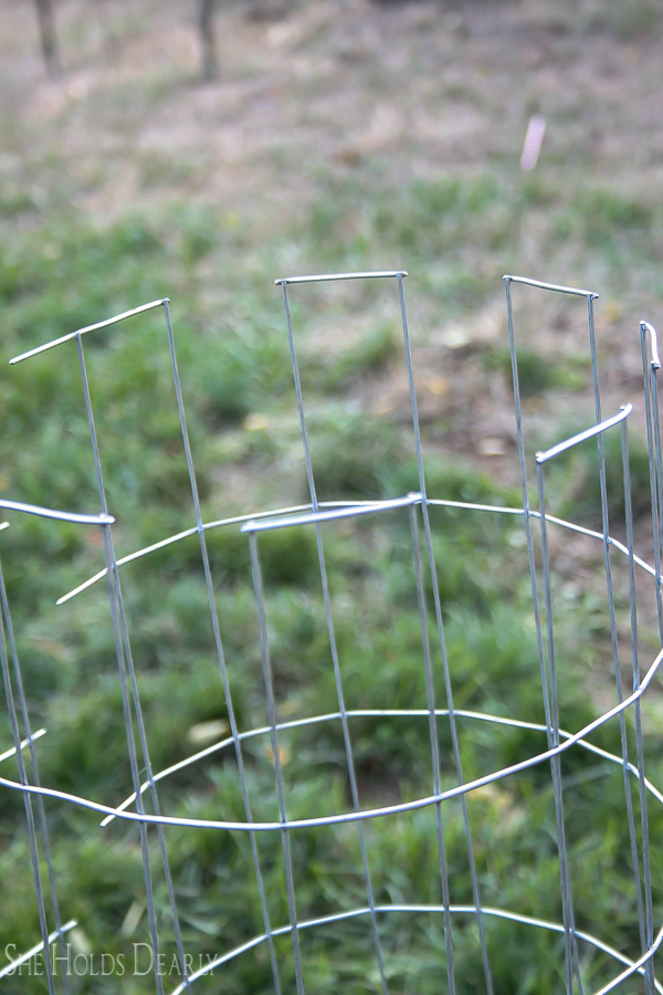 Simple DIY Hamper by sheholdsdearly.com