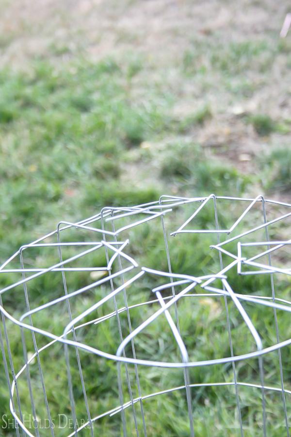 Wire Hamper by sheholdsdearly.com
