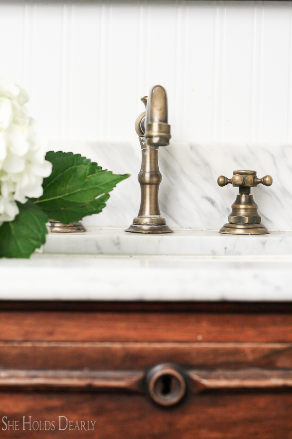 Farmhouse Sink Faucet by sheholdsdearly.com