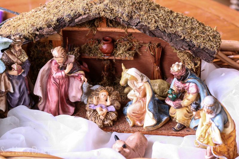 Garage Sale Nativity by sheholdsdearly.com