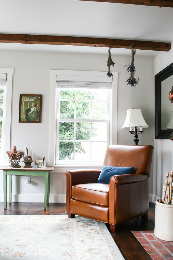 Historic Home Tour, Living Room by sheholdsdearly.com