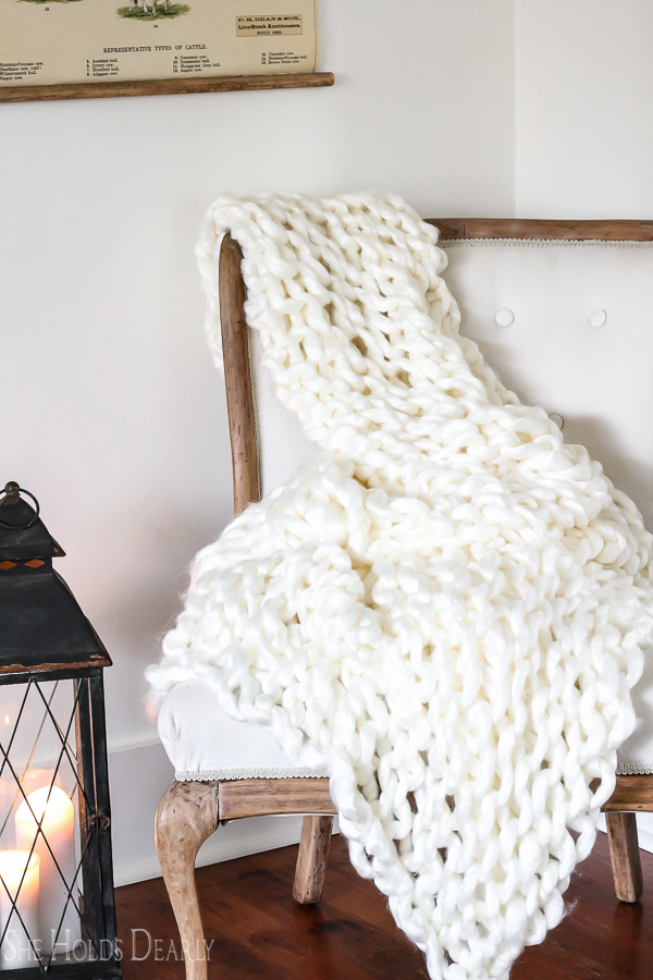 Chunky Blanket DIY by sheholdsdearly.com