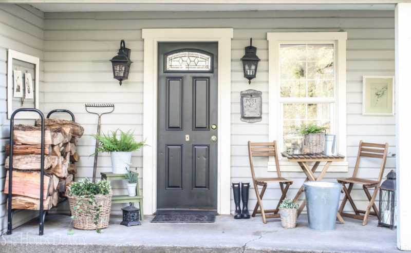 Farmhouse front porch by sheholdsdearly.com