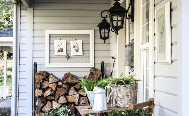 Farmhouse porch decor by sheholdsdearly.com