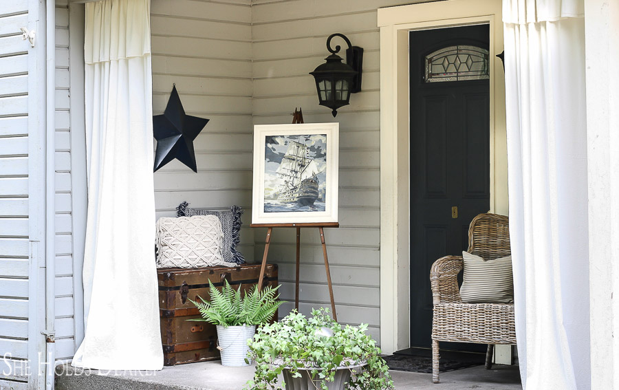 Deciding on framed art is sometimes one of the most difficult aspects of decorating. But, here are 10 Inexpensive Framed Art Ideas to get you started!