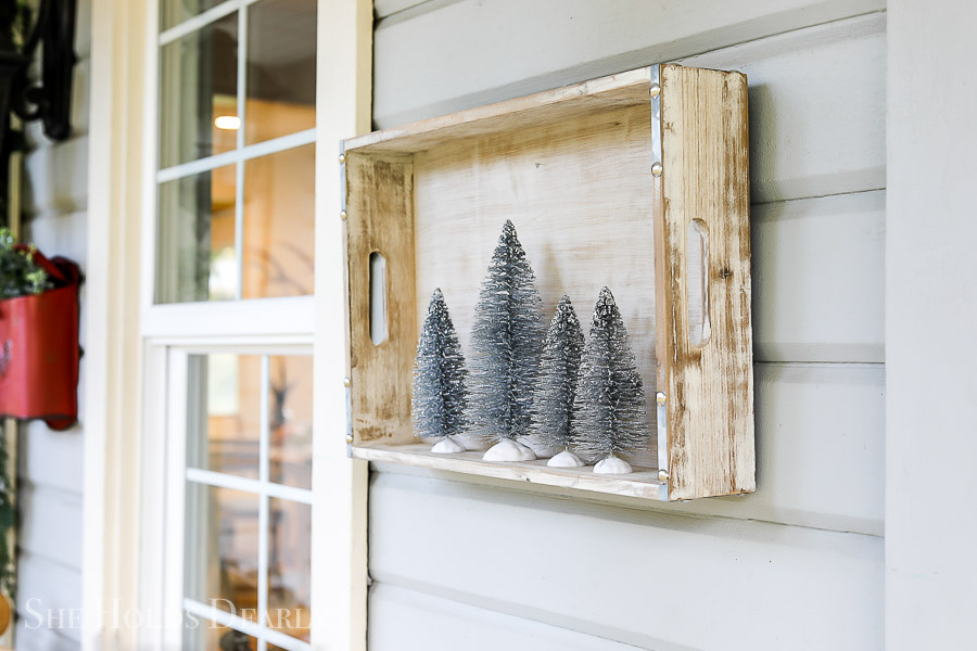 Farmhouse Christmas Decor by sheholdsdearly.com