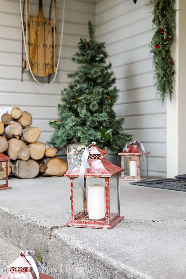 Farmhouse Christmas Tree by sheholdsdearly.com