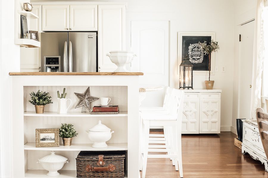 Farmhouse Christmas Kitchen by sheholdsdearly.com
