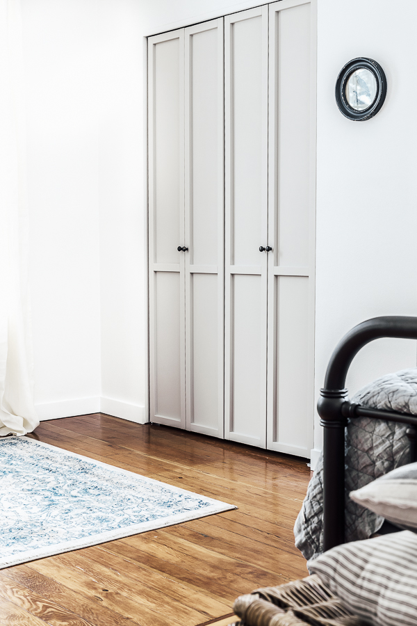 Bi-fold Closet Door Makeover by sheholdsdearly.com