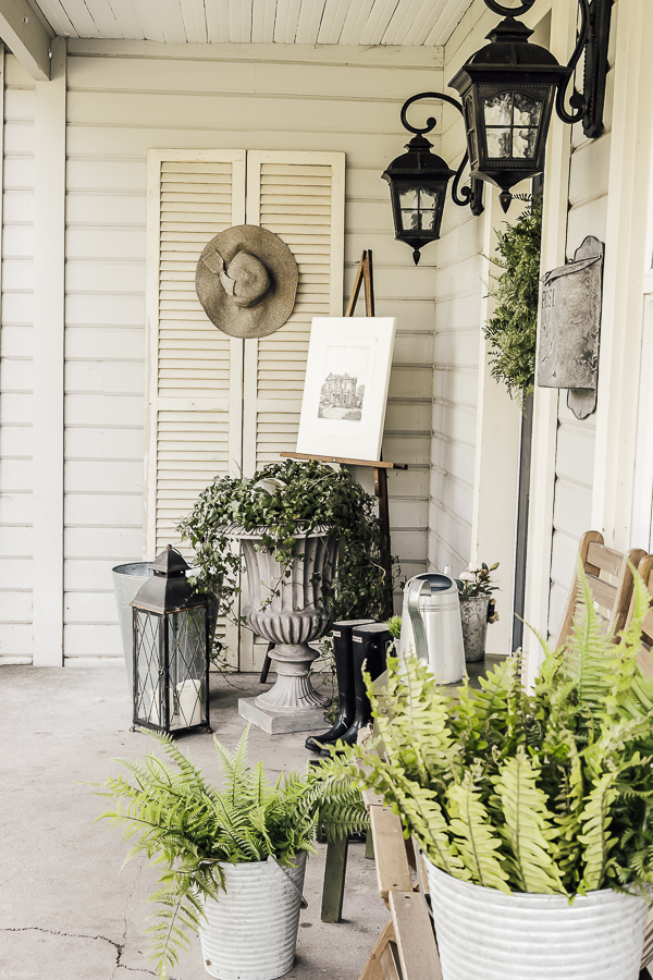 Spring Porch Decor Farmhousestyle by sheholdsdearly.com
