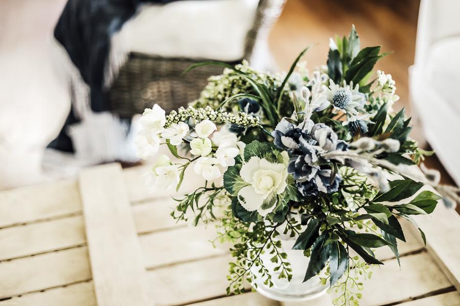 DIY Decorating Flower Arrangement