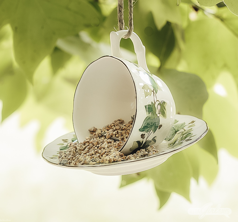 Diy Teacup Bird Feeder by sheholdsdearly.com