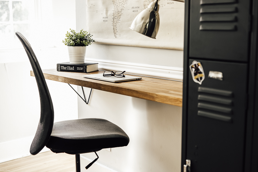 Farmhouse Office Desk Idea by sheholdsdearly.com