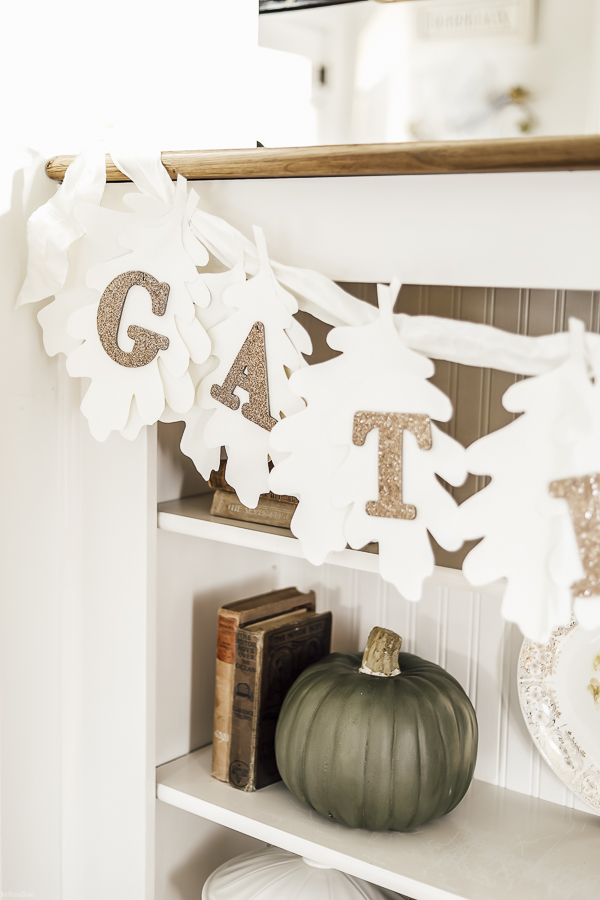 Thanksgiving Bunting DIY by sheholdsdearly.com