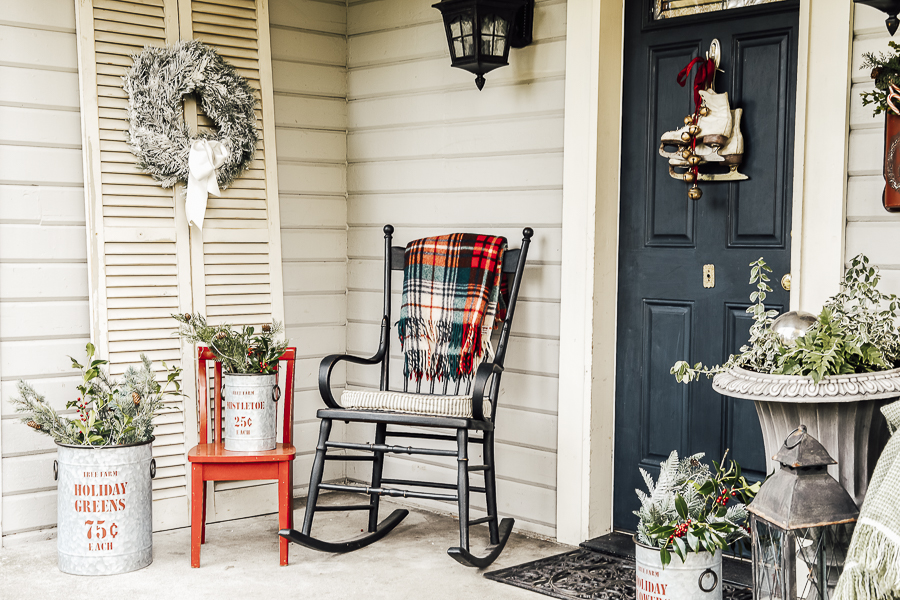 Christmas Porch Decorations by sheholdsdearly.com