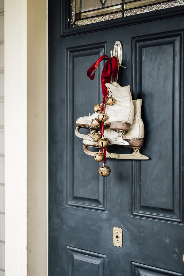 Farmhouse Christmas Front Door Decor by sheholdsdearly.com