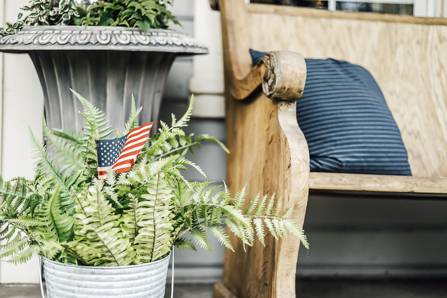 Fourth of July Porch Decorations by sheholdsdearly.com