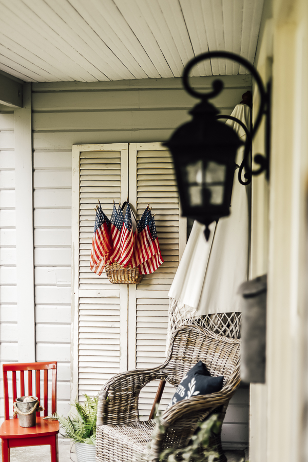 Summer Porch Decorating Ideas by sheholdsdearly.com