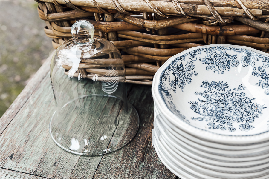 How to Shop Antique Malls by sheholdsdearly.com