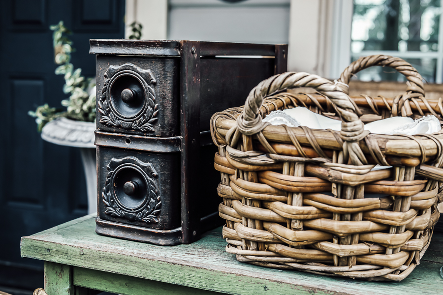 How to Shop Antique Stores by sheholdsdearly.com