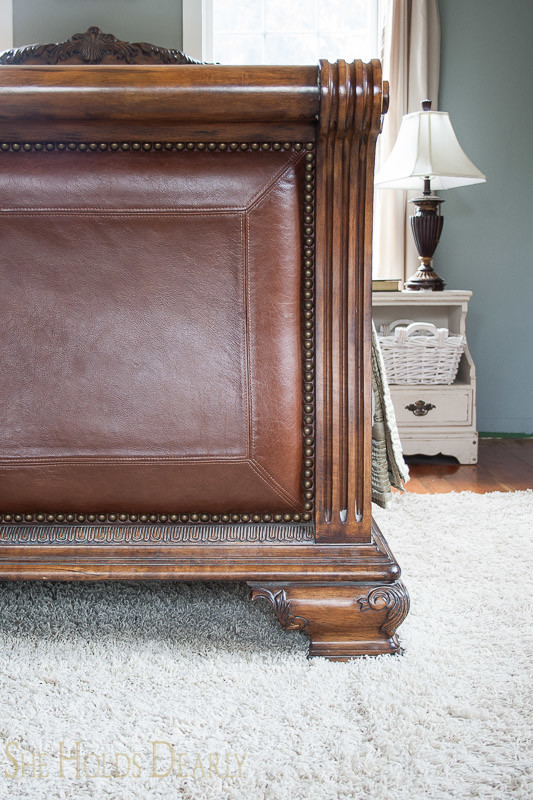 7 Tips For Selling Furniture On Craigslist She Holds Dearly