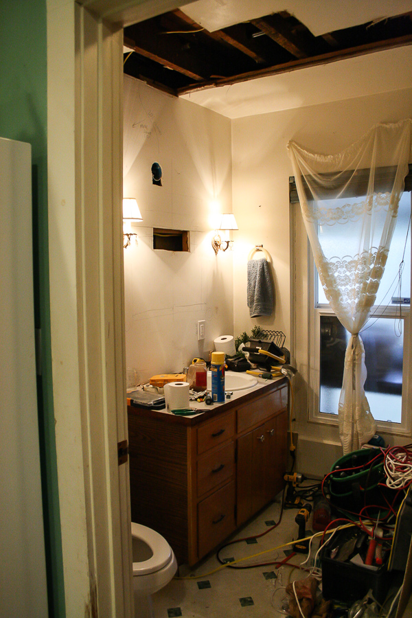 Powder Room Before by sheholdsdearly.com