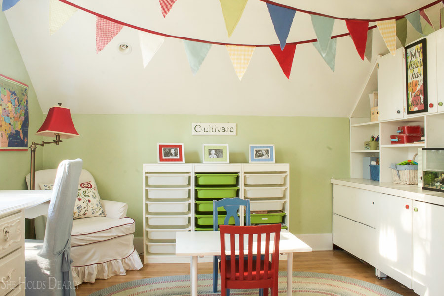 Farmhouse Kids Room by sheholdsdearly.com