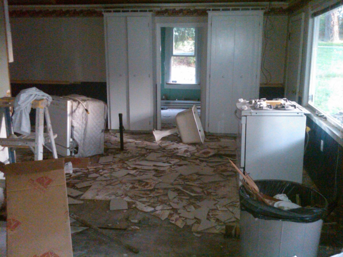 Farmhouse Kitchen Before by sheholdsdearly.com