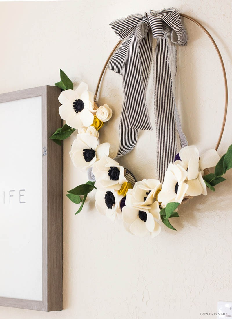 DIY Felt Floral Wreath Easter Decoration