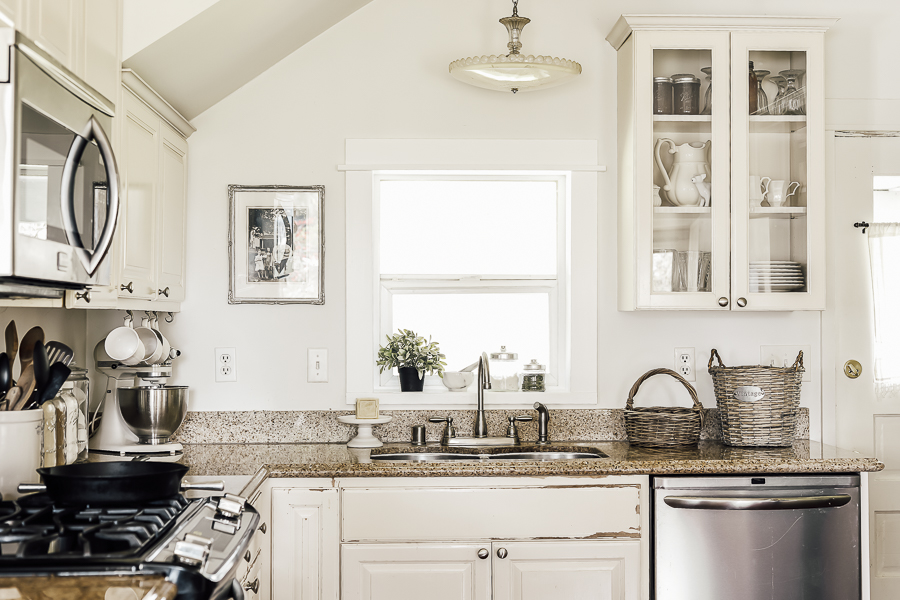 Design Tips Farmhouse Kitchen by sheholdsdearly.com
