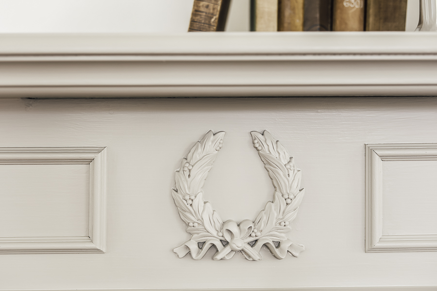 DIY Farmhouse Mantle by sheholdsdearly.com