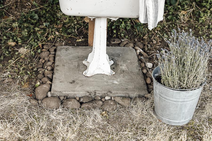 DIY Garden Sink Ideas by sheholdsdearly.com