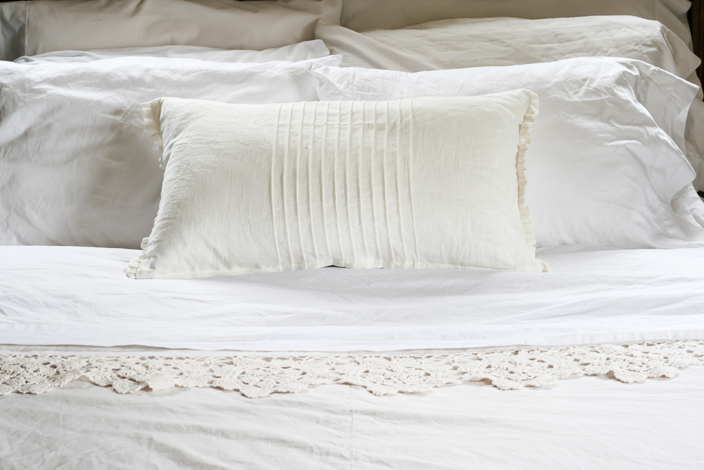How to keep White Sheets White by sheholdsdearly.com