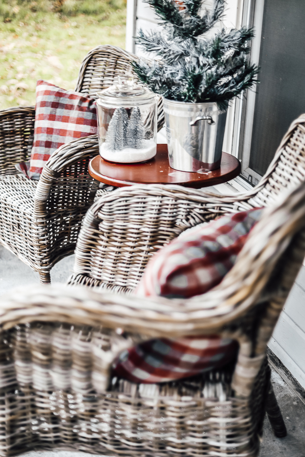Old Home Porch Decorating Ideas by sheholdsdearly.com