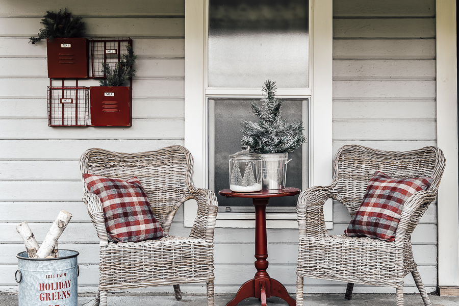Our Christmas Porch Tour by sheholdsdearly.com