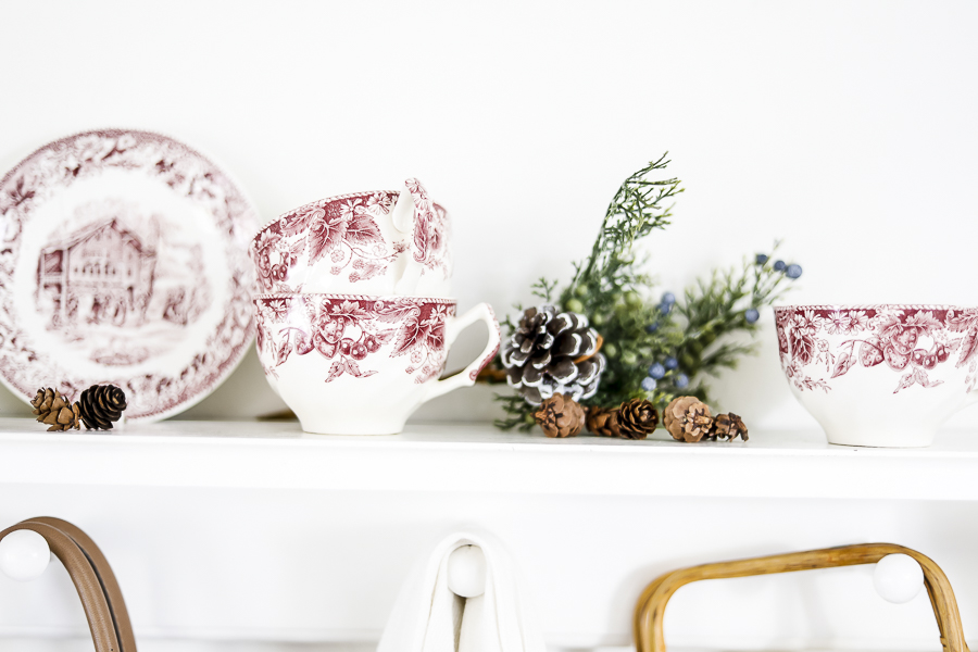 Styling Thrifted Christmas Decorations by sheholdsdearly.com