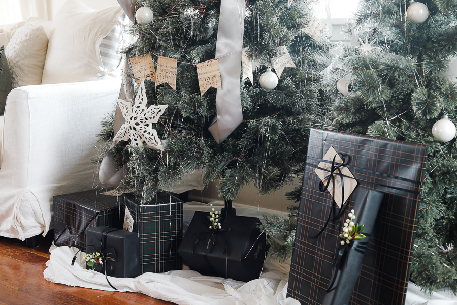 Gift Wrapping Ideas by sheholdsdearly.com