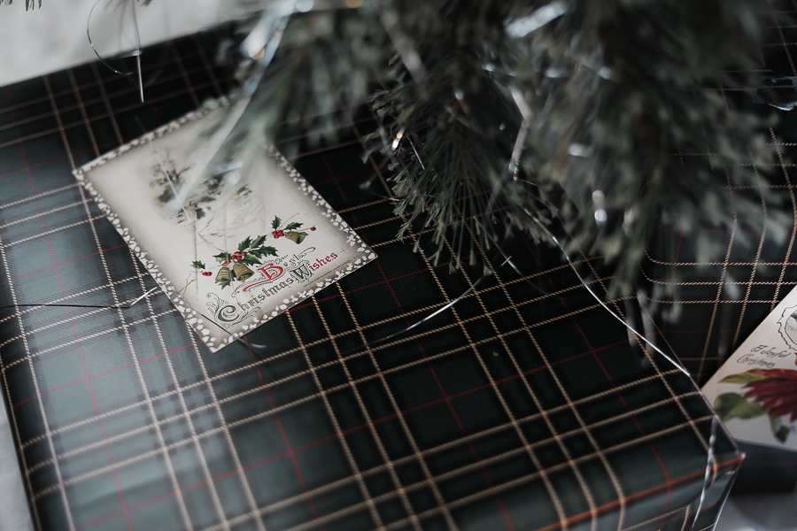 Holiday Wrapping Paper Styles by sheholdsdearly.com