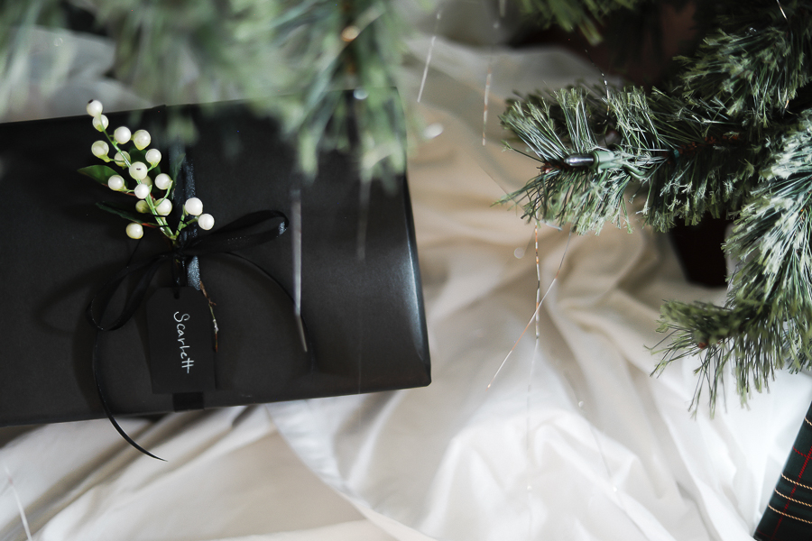 Quick Gift Wrapping Hacks by sheholdsdearly.com