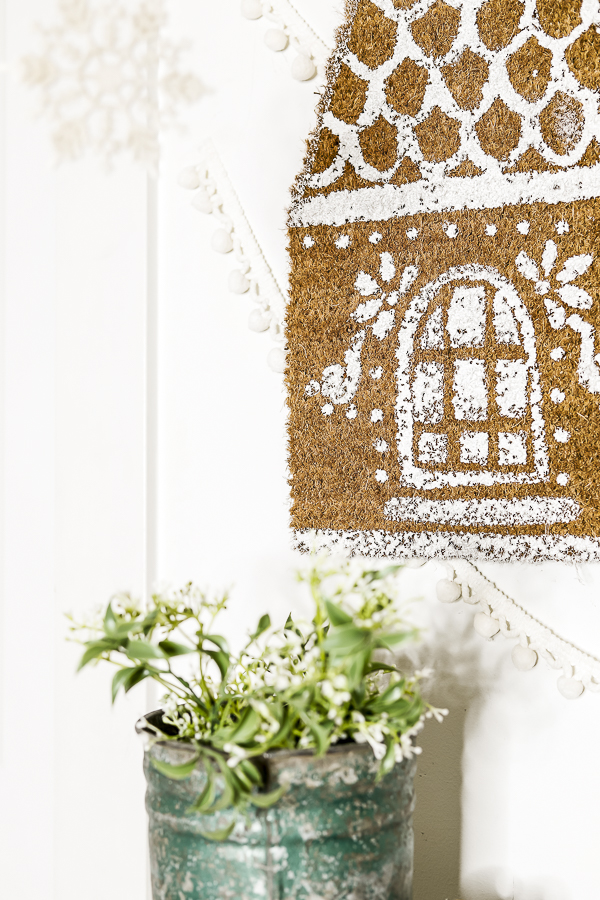Tutorial DIY Gingerbread House Welcome Matt by sheholdsdearly.com